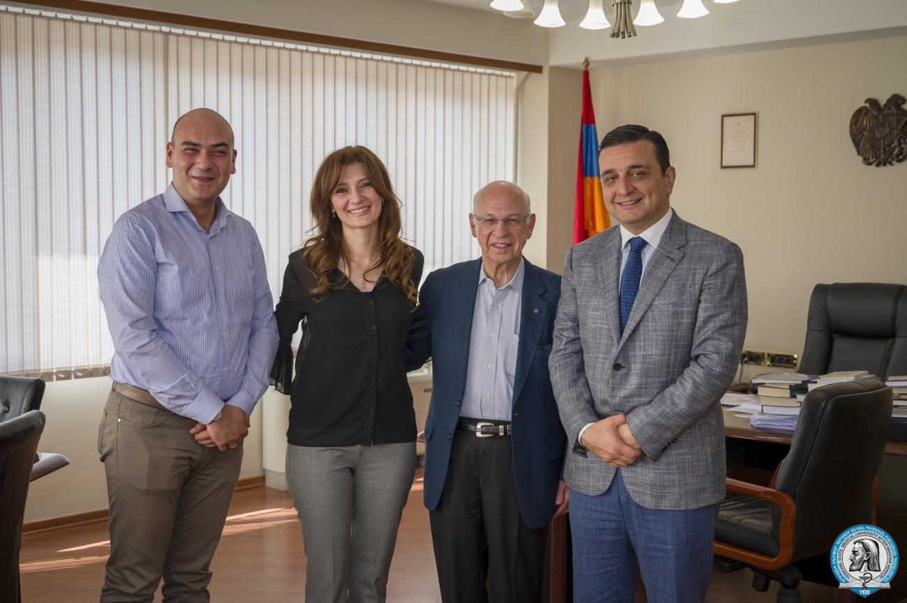 Ամերիկահայ պրոֆեսոր Ջոն Բիլեզիկյանը նախաձեռնել է օստեոպորոզին և էնդոկրինալոգիային նվիրված համաժողովներ՝ ԵՊԲՀ 100-ամյակին ընդառաջ