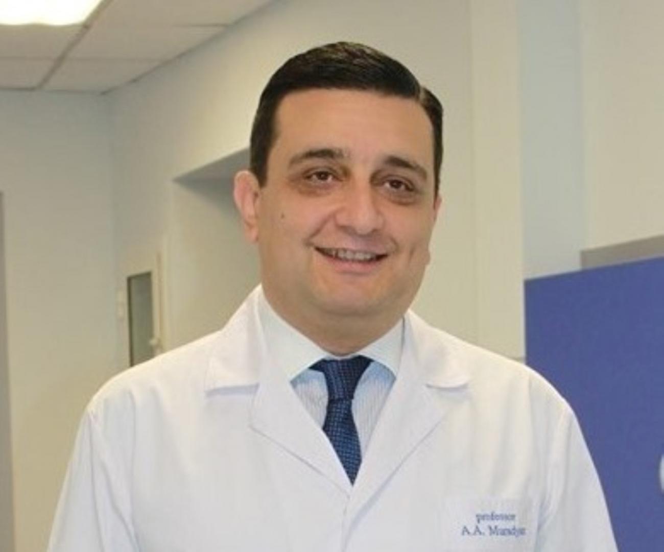 Ռեկտորը խնդրել է կլինիկական օրդինատորներին միանալ կորոնավիրուսի դեմ պայքարին